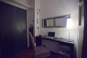 B&B Rooms Rent Vesuvio, Bed and breakfasts  Naples - big - 67