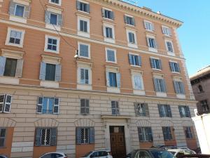 序曲公寓 (Sinfonia Apartment)