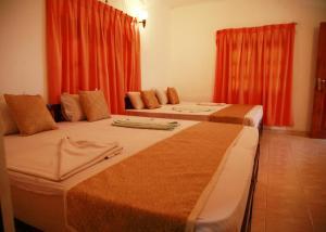 (Hotel Cottage Tourist Rest)