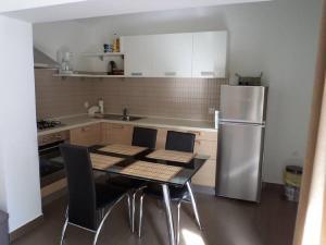 Apartments Vinko, Apartmány  Tribunj - big - 16