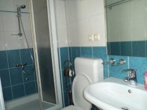 Apartments Vinko, Apartmány  Tribunj - big - 21