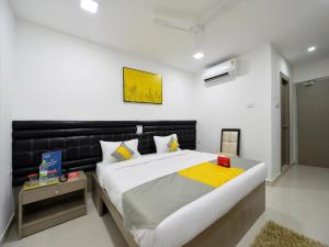 OYO 1860 Hotel Falcons Nest La Riviera, Hotel  Hyderabad - big - 6