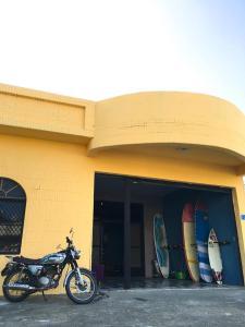 Jialeshuei Surf Club