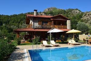 Villa Casa Feronia Stone House