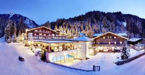 Habachklause Baby- & Kinderhotel, Bauernhof & Chalet - Hotel - Bramberg am Wildkogel