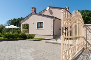 Villa Marjan, Vily  Tinjan - big - 16