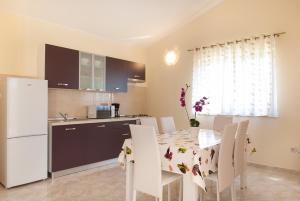 Villa Marjan, Vily  Tinjan - big - 23