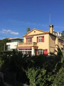 Villa Tricia Cannes, Bed & Breakfasts  Cannes - big - 1