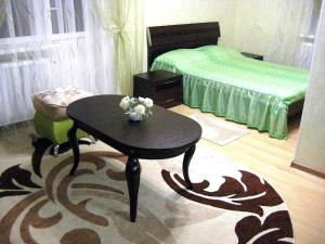 (Apartment Prospekt Kalinina 32)