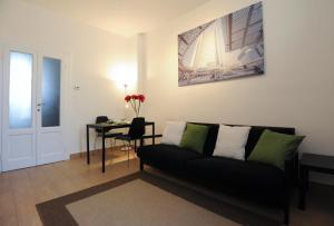 Lomazzo 34 Apartment