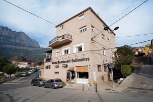 Hostal Guilleumes, Vendégházak  Monistrol - big - 41