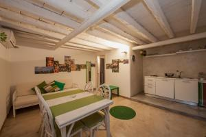 B&B Garibaldi 61, Bed and Breakfasts  Agrigento - big - 19