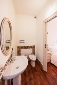 B&B Garibaldi 61, Bed and Breakfasts  Agrigento - big - 38