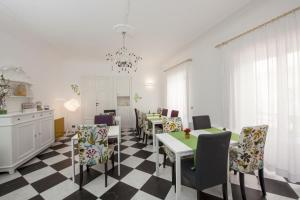 B&B Garibaldi 61, Bed and Breakfasts  Agrigento - big - 83
