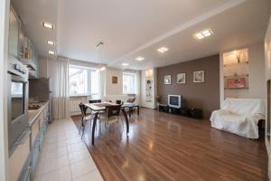 Apartment na Dubrovinskogo 104