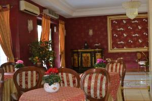Hotel Ristorante Donato, Hotely  Calvizzano - big - 90
