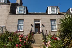 Roselea House
