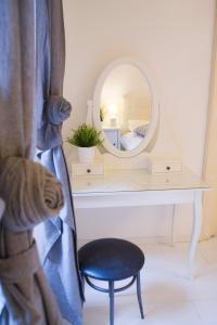 White Borgo Apartment - Rome