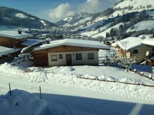 Sonnhangweg, Holiday homes  Niederau - big - 13