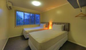 Tropixx Motel & Restaurant5