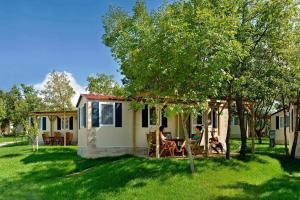 Istrian Village Premium Mobile Homes in Camping Lanterna