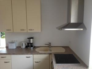 Ferienwohnung zum Breitling, Apartmanok  Boiensdorf - big - 1