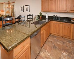 Pinecone Lodge by Exclusive Vail Rentals, Apartmány  Beaver Creek - big - 3