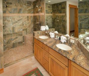 Pinecone Lodge by Exclusive Vail Rentals, Apartmány  Beaver Creek - big - 5
