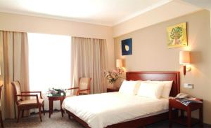 GreenTree Inn QinHuang Island Railway Station Business Hotel, Szállodák  Csinhuangtao - big - 3