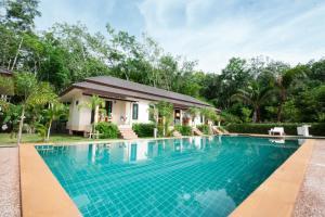 Aonang Family Pool Resort, Дома для отпуска  Ао Нанг Бич - big - 1