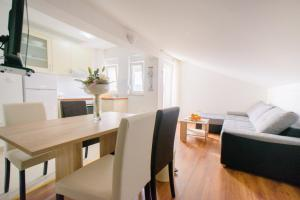 Apartments Deak, Apartmány  Janjina - big - 56