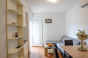Apartments Deak, Apartmány  Janjina - big - 89