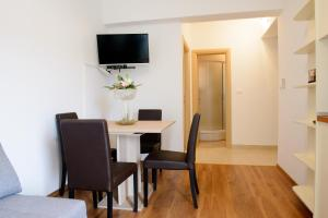 Apartments Deak, Apartmány  Janjina - big - 58