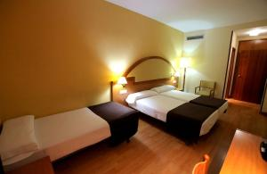 Hotel Don Jaime 54, Hotels  Zaragoza - big - 14