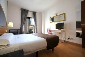 Hotel Don Jaime 54, Hotels  Zaragoza - big - 11