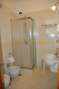 Hotel Ristorante Donato, Hotely  Calvizzano - big - 111