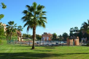 Casares Del Sol 30, Appartamenti  Estepona - big - 1