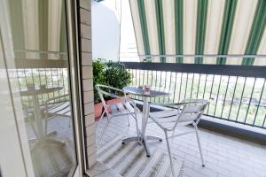 B&B Rooms Rent Vesuvio, Bed and breakfasts  Naples - big - 39