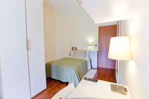 B&B Rooms Rent Vesuvio, Bed and breakfasts  Naples - big - 48