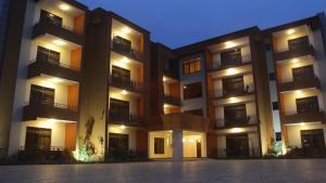 Garr Apartments