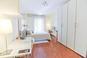 B&B Rooms Rent Vesuvio, Bed and breakfasts  Naples - big - 56