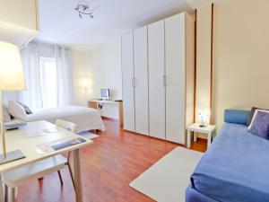 B&B Rooms Rent Vesuvio, Bed and breakfasts  Naples - big - 53