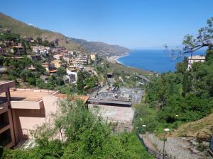 Casa Fabiana, Apartmanok  Taormina - big - 51