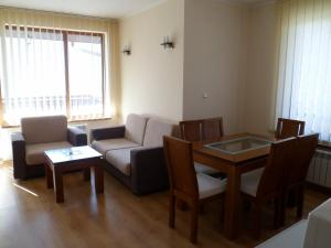 Cedar Lodge 3/4 Self-Catering Apartments, Apartments  Bansko - big - 2