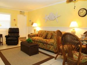 #228 At Surf Song Resort, Apartmány  St Pete Beach - big - 1