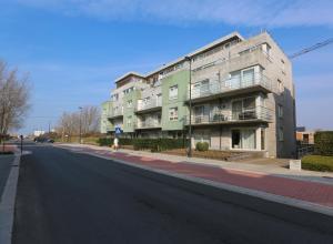 Casa Verde II, Вестэнде