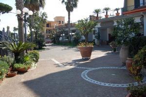 Hotel Ristorante Donato, Hotely  Calvizzano - big - 102