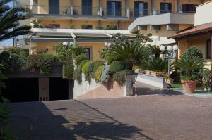 Hotel Ristorante Donato, Hotely  Calvizzano - big - 104