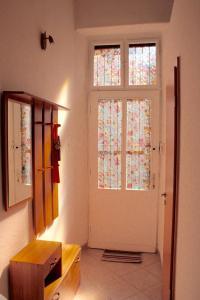 Lux Apartman, Apartments  Budapest - big - 17