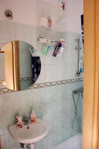 Lux Apartman, Apartments  Budapest - big - 18